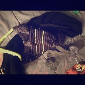Under armor beannie with scarf & gloves